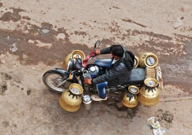Milk delivery, Bundi style