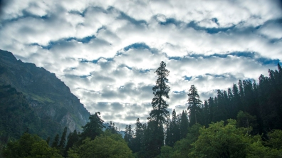 Strange skies over Kheerganga
