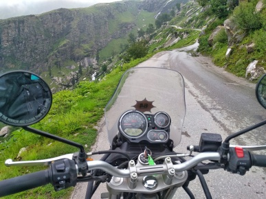 View of the road to Rohtang